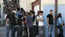 Lining up to apply for Deferred Action in Los Angeles, CA. Reuters/Jonathan Alcorn